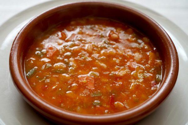 Mâncare de linte spaniolă cu legume